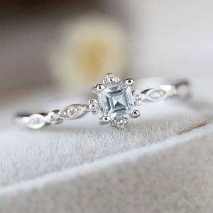Jewelry - 14k white gold aquamarine antique wedding ring